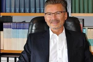 Dr. med. Peter Dietz