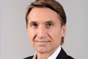 Dr. med. Edouard H Manassa