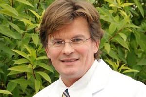 Dr. med. Burghard Peter