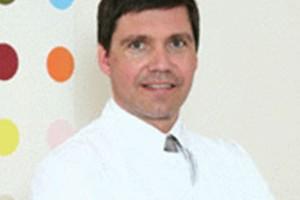 Dr. med. Armin Rau