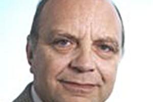 Dr. med. Eric G Weber